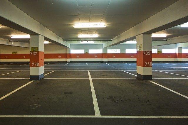Parkolás a Ferihegyen