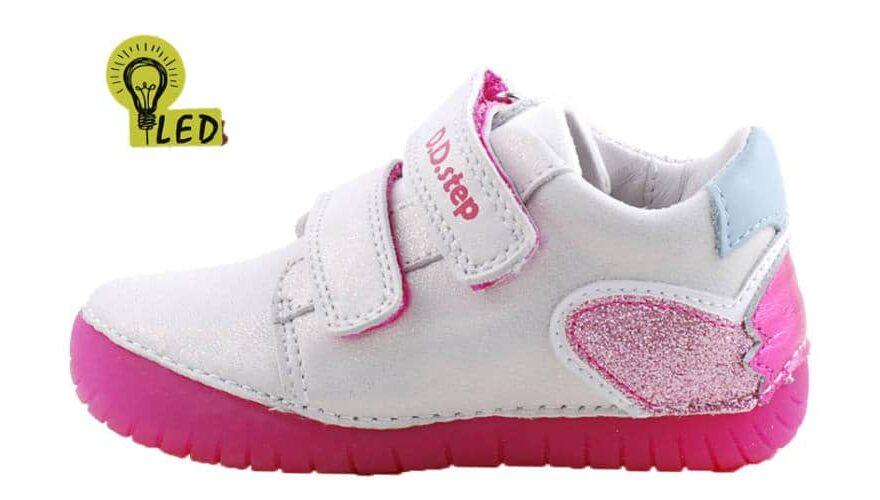 világító talpú gyerek cipő
